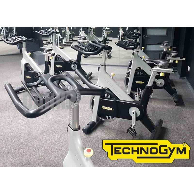 Technogym Group Cycle Ride, Indoor Cycling Bike, viele Kurs Fahrr&aum